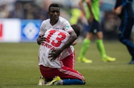Loi nguoc dong ngoan muc, Hamburger SV la CLB hanh phuc nhat dem nay - Anh 6