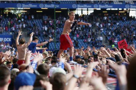 Loi nguoc dong ngoan muc, Hamburger SV la CLB hanh phuc nhat dem nay - Anh 9
