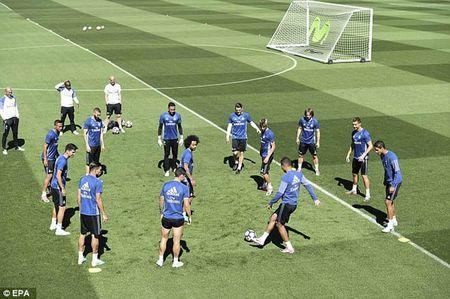 """La Liga """"ngay phan xu"""": Real vui het co, Barca u muu - Anh 1"""