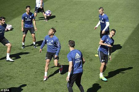"""La Liga """"ngay phan xu"""": Real vui het co, Barca u muu - Anh 2"""