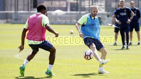 """La Liga """"ngay phan xu"""": Real vui het co, Barca u muu - Anh 9"""
