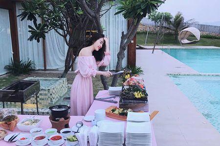 Sao Viet 2/6: Hoa Minzy muon do cu nhan 'song ao', Tam Tit bau 7 thang 'nhu khong' - Anh 10