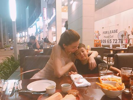 Sao Viet 2/6: Hoa Minzy muon do cu nhan 'song ao', Tam Tit bau 7 thang 'nhu khong' - Anh 11