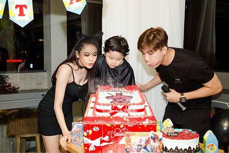 Sao Viet 2/6: Hoa Minzy muon do cu nhan 'song ao', Tam Tit bau 7 thang 'nhu khong' - Anh 6