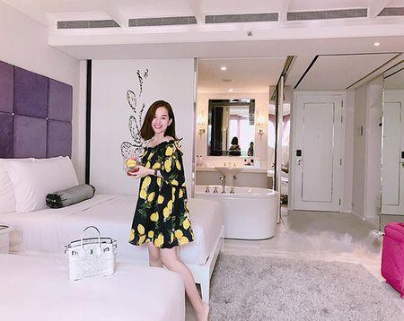 Sao Viet 2/6: Hoa Minzy muon do cu nhan 'song ao', Tam Tit bau 7 thang 'nhu khong' - Anh 7