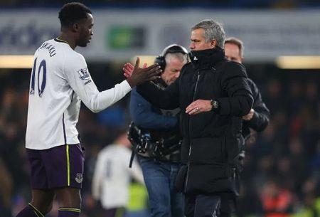 Tro cu tiet lo moi quan he giua Jose Mourinho va Romelu Lukaku - Anh 1