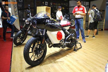 Tho Sai Gon bien Ducati Scrambler Sixty2 thanh 'thuoc doc' - Anh 1