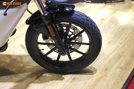 Tho Sai Gon bien Ducati Scrambler Sixty2 thanh 'thuoc doc' - Anh 4