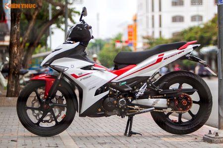 Yamaha Exciter 'do chan dai' Honda NSR150 o Sai Gon - Anh 1