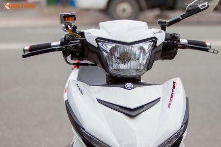 Yamaha Exciter 'do chan dai' Honda NSR150 o Sai Gon - Anh 2