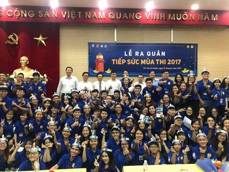 Cuu thu quan DT Viet Nam Le Cong Vinh du Le ra quan tiep suc mua thi - Anh 1