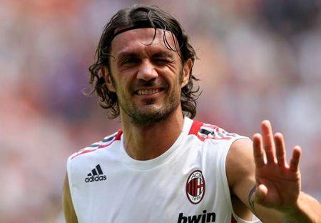 Huyen thoai AC. Milan thi dau quan vot chuyen nghiep - Anh 1