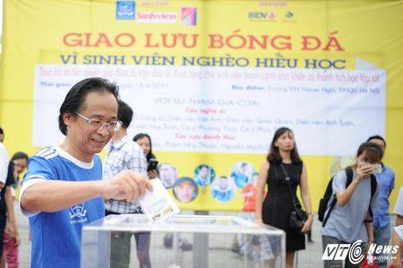 Phan Hai ghi ban, tap doan Phan Thi ung ho hoc sinh ngheo hon 50 trieu dong - Anh 11