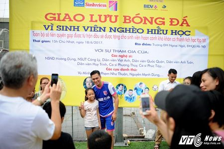 Phan Hai ghi ban, tap doan Phan Thi ung ho hoc sinh ngheo hon 50 trieu dong - Anh 13