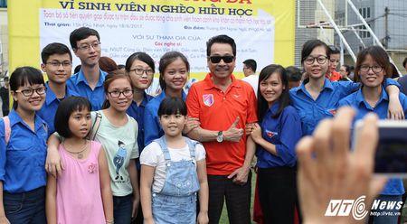 Phan Hai ghi ban, tap doan Phan Thi ung ho hoc sinh ngheo hon 50 trieu dong - Anh 15