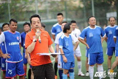 Phan Hai ghi ban, tap doan Phan Thi ung ho hoc sinh ngheo hon 50 trieu dong - Anh 1
