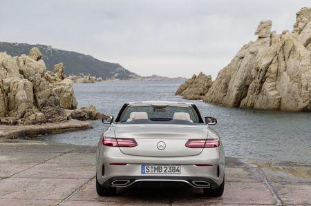 Mercedes-Benz E-Class Cabriolet co gia ban bao nhieu tai Duc? - Anh 10