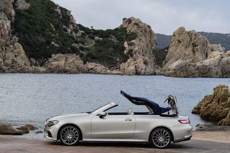 Mercedes-Benz E-Class Cabriolet co gia ban bao nhieu tai Duc? - Anh 12