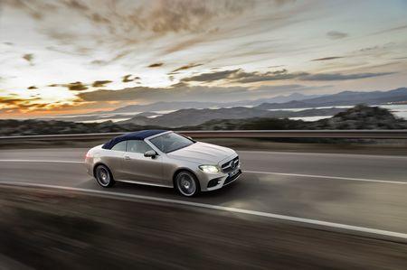 Mercedes-Benz E-Class Cabriolet co gia ban bao nhieu tai Duc? - Anh 13