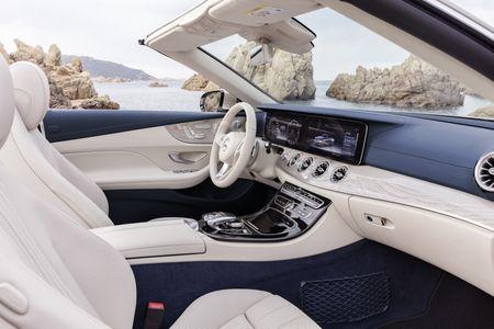 Mercedes-Benz E-Class Cabriolet co gia ban bao nhieu tai Duc? - Anh 3