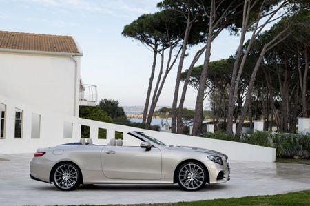 Mercedes-Benz E-Class Cabriolet co gia ban bao nhieu tai Duc? - Anh 8