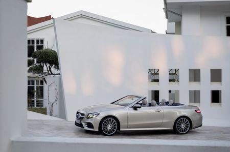 Mercedes-Benz E-Class Cabriolet co gia ban bao nhieu tai Duc? - Anh 9