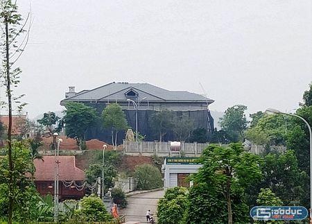Tuong Cong an Yen Bai phu nhan so huu biet thu 'khung' tren khu dat hon 10.000m2 - Anh 4