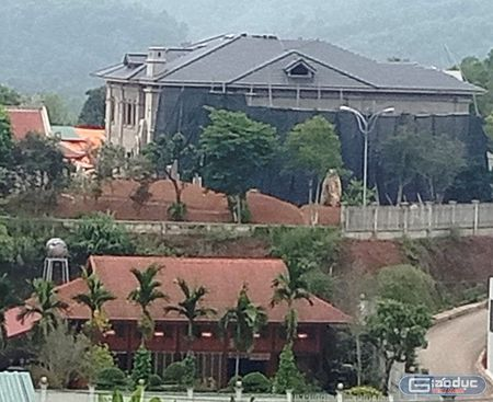 Tuong Cong an Yen Bai phu nhan so huu biet thu 'khung' tren khu dat hon 10.000m2 - Anh 5