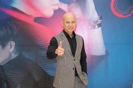 Phan Dinh Tung chia se 'la' khi bi to chen ep, cuop mic dan em - Anh 1