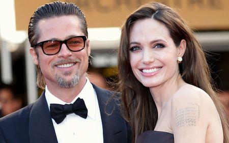 Angelina Jolie dan 6 con di du lich ma khong co Brad Pitt - Anh 6