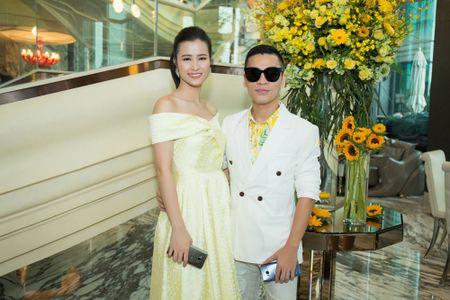 Hoa hau My Linh, A hau Thuy Dung noi bat voi dam vang ruc ro - Anh 10