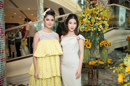 Hoa hau My Linh, A hau Thuy Dung noi bat voi dam vang ruc ro - Anh 6