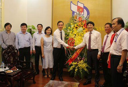 Pho Bi thu Thanh uy Dao Duc Toan chuc mung cac co quan bao chi - Anh 1