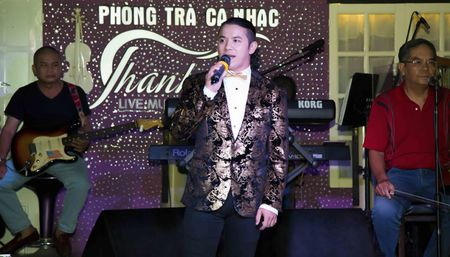 Ca si Kasim Hoang Vu quyen gop duoc 1 ty vi benh nhan ung thu - Anh 1