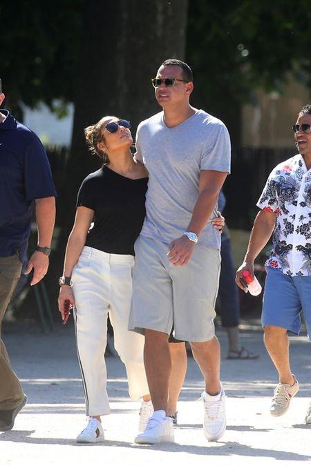 Jennifer Lopez va nguoi tinh 'tron con', hen ho o Paris - Anh 2