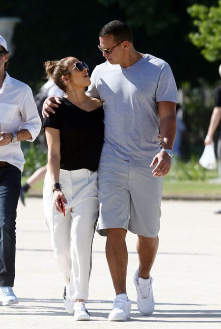 Jennifer Lopez va nguoi tinh 'tron con', hen ho o Paris - Anh 3