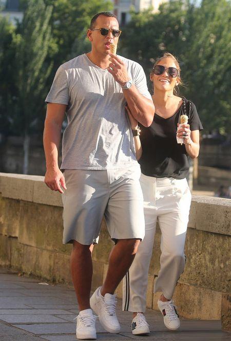 Jennifer Lopez va nguoi tinh 'tron con', hen ho o Paris - Anh 9