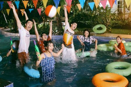 Hau The Voice, Noo Phuoc Thinh 'quay' het minh cung hoc tro trong MV ky niem - Anh 13