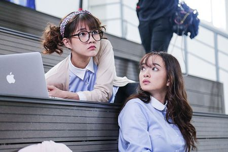 Son Tung M-TP dong 'Em chua 18' phan 2, 'cap' voi 'hot girl tra sua' Kieu Trinh? - Anh 2