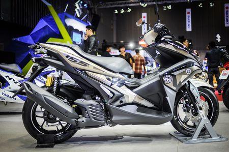 Yamaha NVX 155 Camo gia 52,7 trieu tai Viet Nam - Anh 1