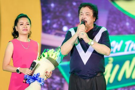 Min hat chay chieu fan trong dem nhac 'New hits on the top' - Anh 9