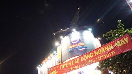Cuoc song nguoi dan duoi 'pheu bay' Tan Son Nhat - Anh 15