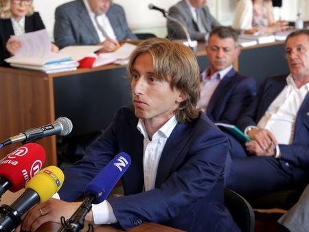 Tien ve Luka Modric doi mat voi nguy co phai ngoi tu 5 nam - Anh 1