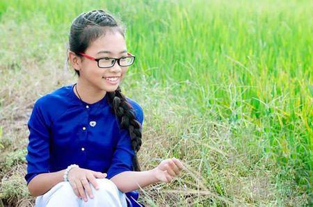Phuong My Chi, Thien Nhan cung 14 tuoi: Ke bi che chin ep, nguoi duoc khen - Anh 1