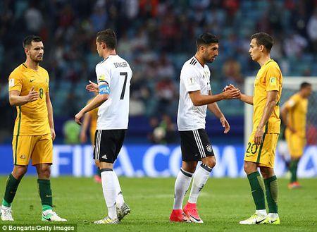 'Duc B' ra quan Confederations Cup bang tran thang nhoc Australia - Anh 1