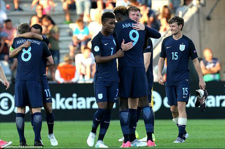 U21 chau Au: Sao Premier League lap cong, Anh nguoc dong danh bai Slovakia - Anh 1