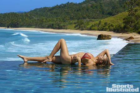 Hailey Clauson lap lo vong 1 trong bo anh moi nhat - Anh 10