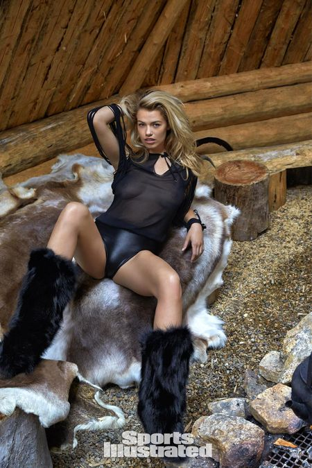 Hailey Clauson lap lo vong 1 trong bo anh moi nhat - Anh 3