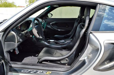 Sieu xe Porsche 911 GT2 do 'sieu khung' gia 6,8 ty - Anh 6
