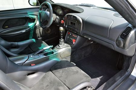 Sieu xe Porsche 911 GT2 do 'sieu khung' gia 6,8 ty - Anh 7